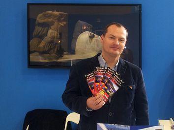 Tobias Schorr machte mit der Wanderkarte Methanas und einer Diashow Werbung für Methana und den Saronischen Golf