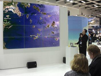Tobias Schorr machte 2012 im Bereich der griechischen Halle Vorträge über Methana, Milos, Santorin und Nisyros. Es gab eine große Projektionswand, die sehr gut geeignet war.