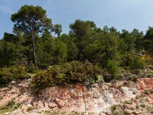 Hydrothermal veränderte Gesteine am historischen Vulkan bei Kameni Chora