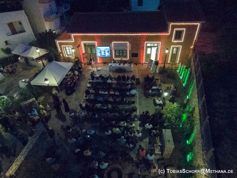 Die abendliche Eröffnung der Konferenz in Methana am 10 Juni 2016