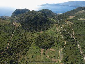 Blick auf die südlichen Lavadome der Vulkanhalbinsel Methana