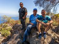 Der zweite Bürgermeister von Methana, Vasilis Pantelis und der deutsche Geologe Dr. Prof. Volker Dietrich, der die geologische Karte von Methana entwickelt hat.